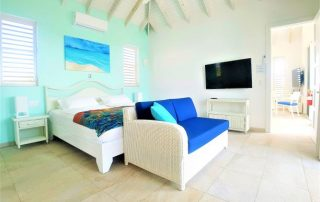 Caicias Villa Indigo bedroom