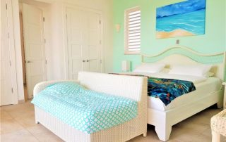 Caicias Villa Indigo bedroom with kiddy bed
