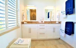 Caicias Villa Sapphire bathroom