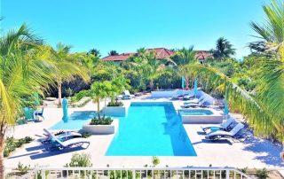 Caicias Villa Sapphire poolview