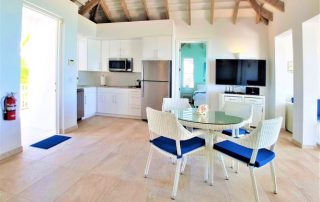 Caicias Villa Turquoise dining kitchen area