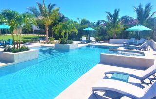 Caicias Villas pool with whirlpool