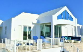 Caicias beachvilla Emerald with beach terrace
