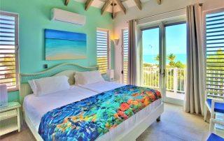 Oceanfront Villa Turquoise bedroom